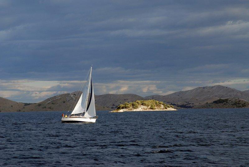 Srednji jadralski otoki