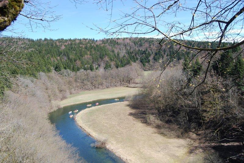 Preživetje v naravi - s kanujem po reki