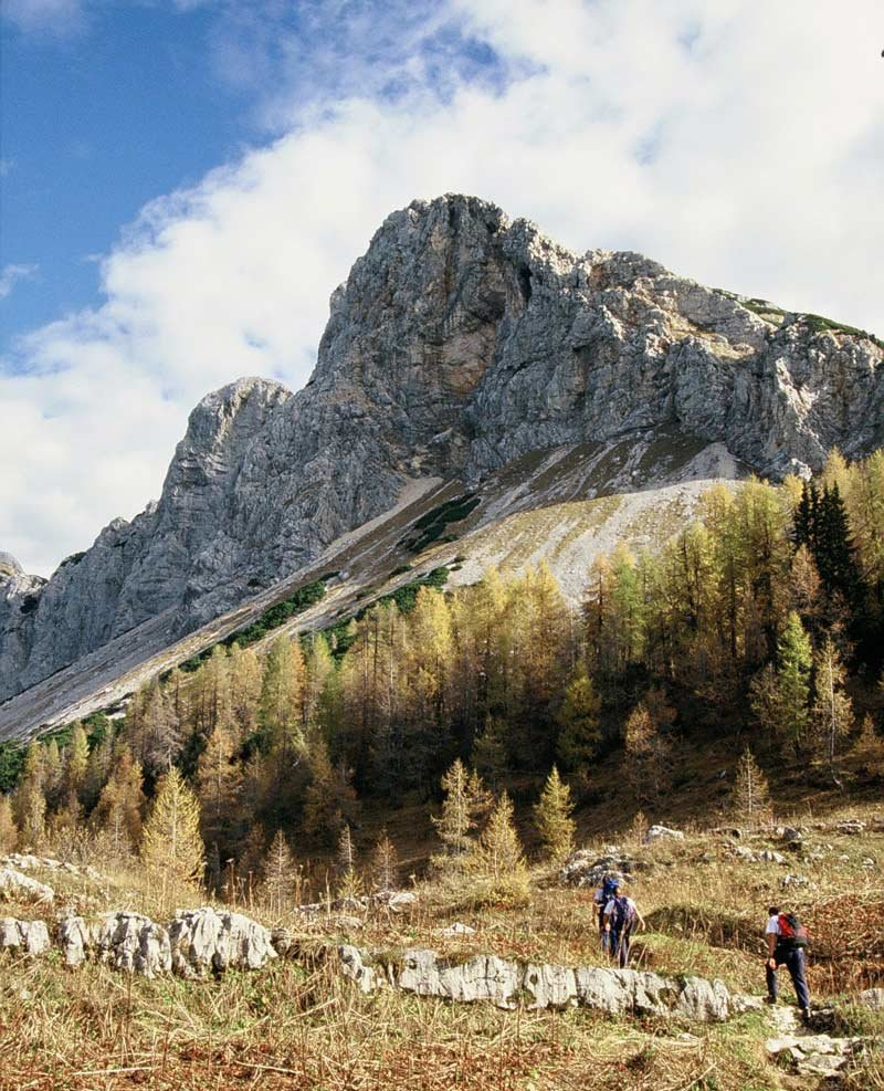 Mountain tours - Between mountains and lakes
