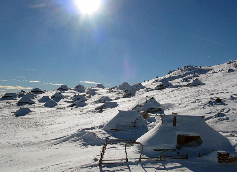 Team activities in Slovenia - games on snow