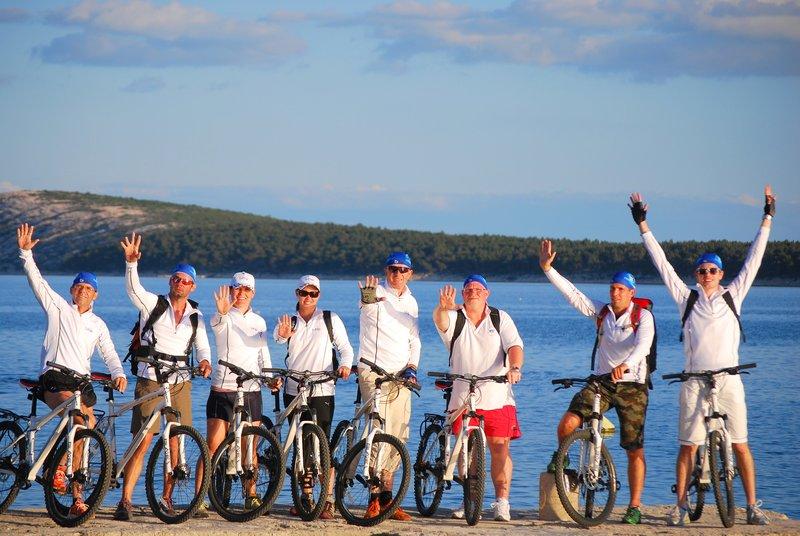 Teambuilding jadranje - kolesarjenje po otokih